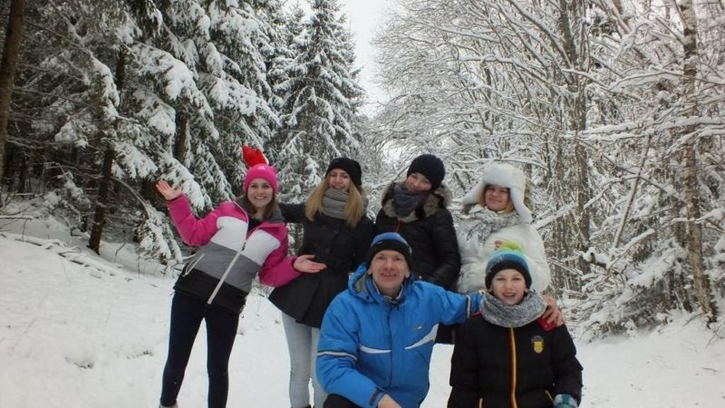 Gena Young People In Snow